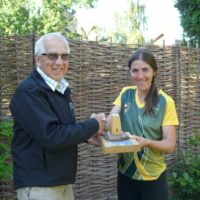 Angela Recieving Chairmans Trophy 900