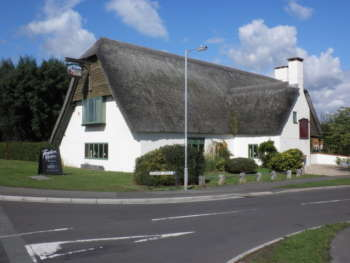 Blackbrook's Master Thatcher pub/ restaurant