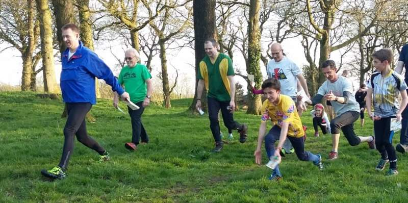 Contenders on Green get in training! From left: Matt C, Tony H, Tom (yellow top). Also Ben (far right, doing Yellow course)