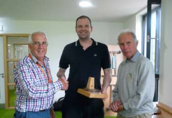 Jeff Receives The Chairmans Trophy For Services To Qo For His Brilliant Website