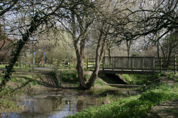 Comeytrowe riverside walk
