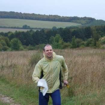 Jeff attacking the uphill start at Sidbury