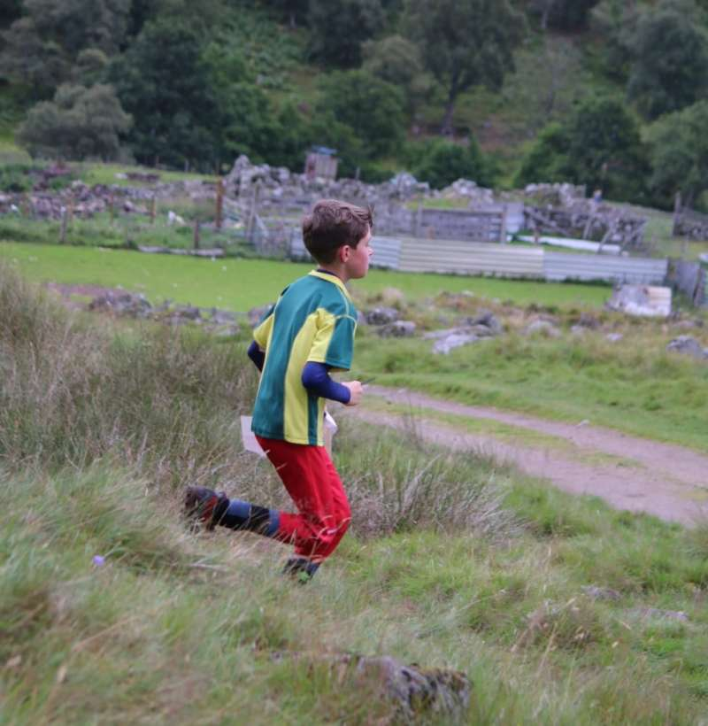 Hamish passes an abandoned croft house at Glen Feardar, day 5